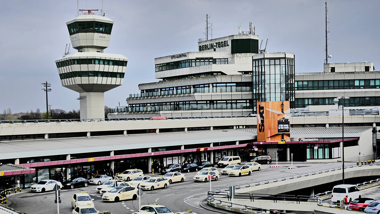 Diskussionen um weiterbetrieb des flughafens tegel radioeins for Flughafen tegel
