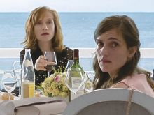 Fantine Harduin, Isabelle Huppert, Jean-Louis Trintignant, Laura Verlinden und Mathieu Kassovitz in Happy End