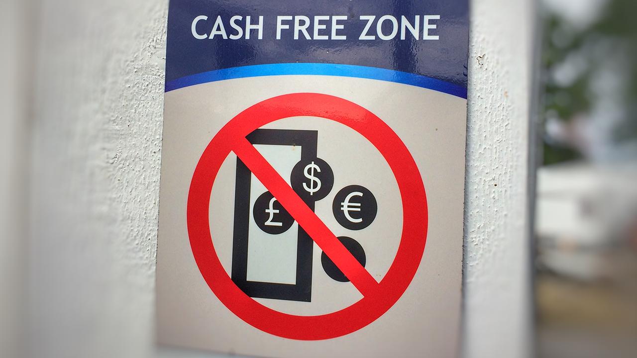Kann die Abschaffung von Bargeld Geldwäsche eindämmen?
