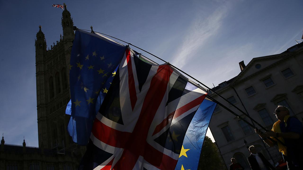 Britisches Kabinett stimmt über Brexit-Deal ab