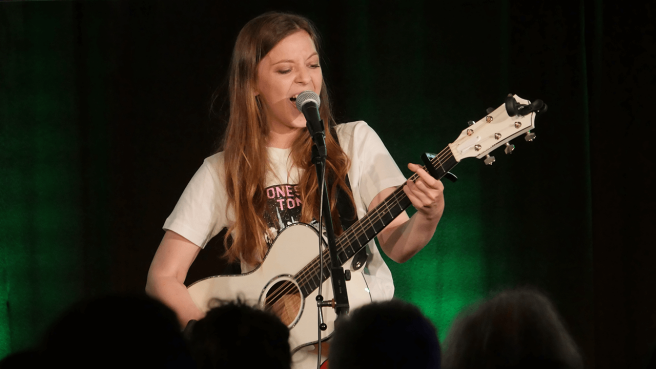Jade Bird in der radioeins-Lounge © radioeins/Chris Melzer
