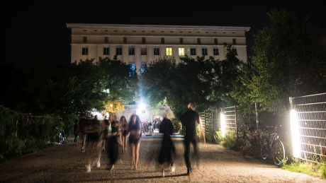 Berghain in Berlin © imago images / F. Anthea Schaap