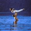 "Jennifer Grey und Patrick Swayze in ""Dirty Dancing"" © imago images/Mary Evans"